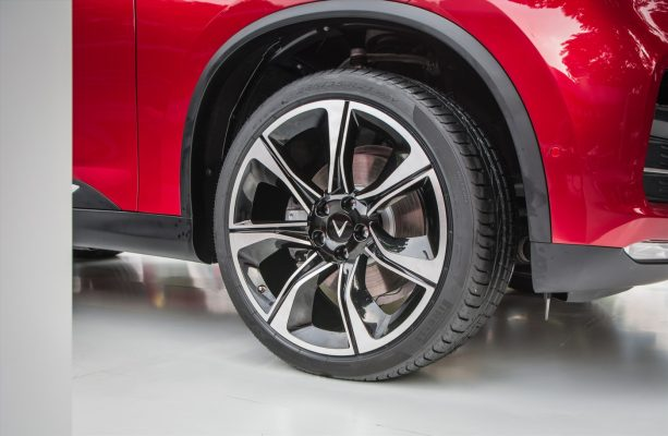 Xe có 2 sự lựa chọn kích thước mâm gồm 19 inch hoặc 20 inch